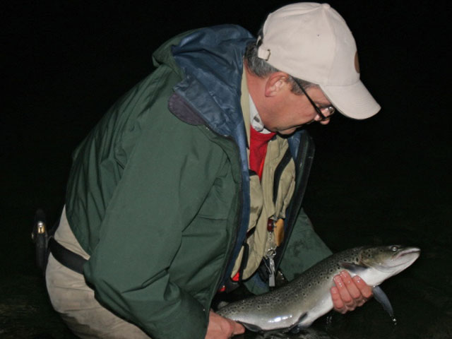 Teifi river guides 2017 sea trout at night for Trout fishing at night